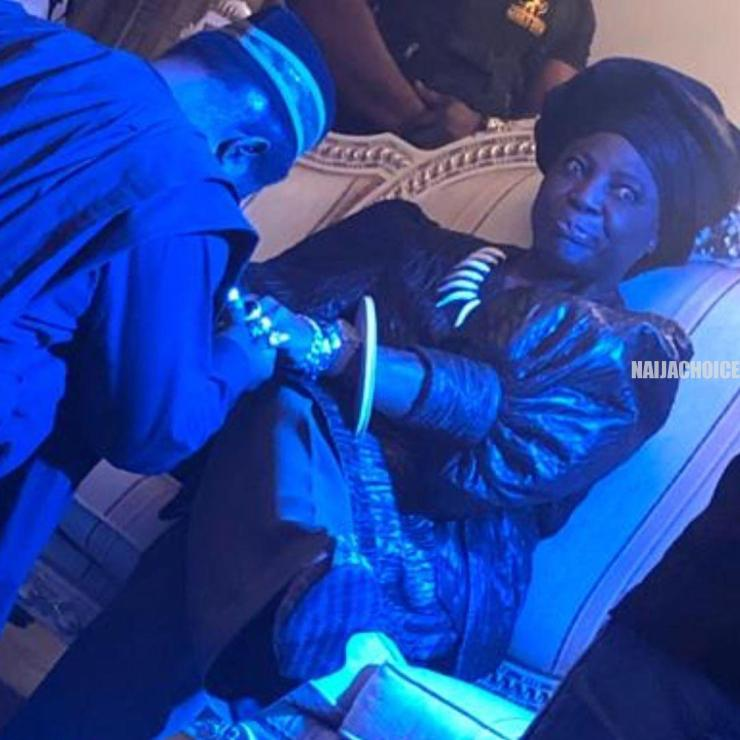 Charly Boy Rocks Gele, Blouse & Trousers (Photos)