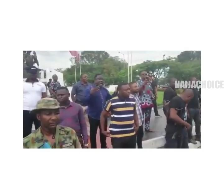 Hilarious Governor Ayade Hides Behind His Security Men To Address Residents (Video)