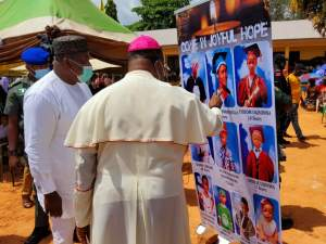 Enugu Holds Requiem Mass For Pupils Of Presentation School Who Died In Accident