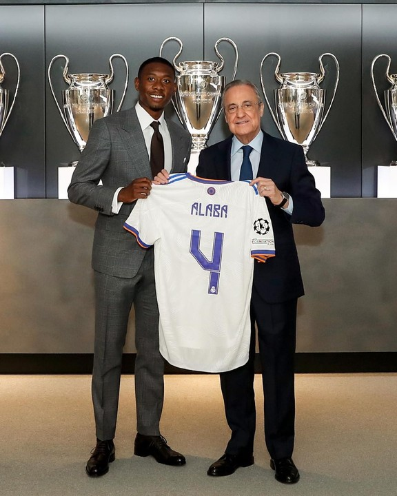 Real Madrid Unveils Alaba With His Nigerian Father & The Rest Of His Family (Photos)