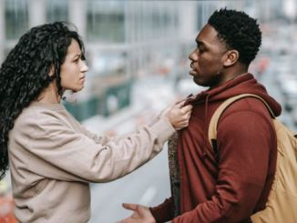 7 reasons why college relationships never last