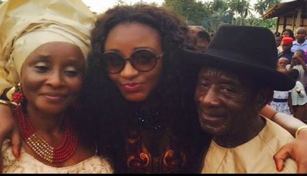 Ini edo middle and her parents