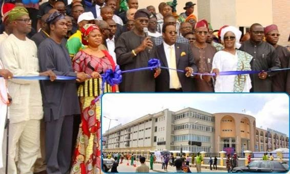 34 Fashola Commissions Newly Built Tejuosho Market (Photos)