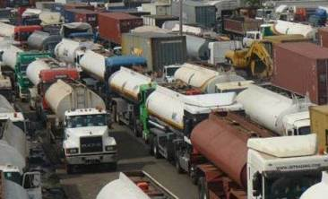 new-tanker-yruck-Apapa-Oshodi-traffic