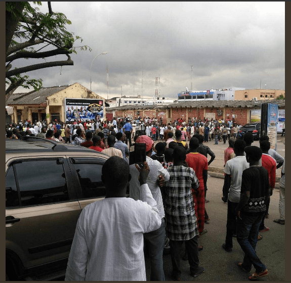 2 19 - Buhari Supporters Attack Charly Boy At Wuse Market, Destroy Cars [Video/Photos]