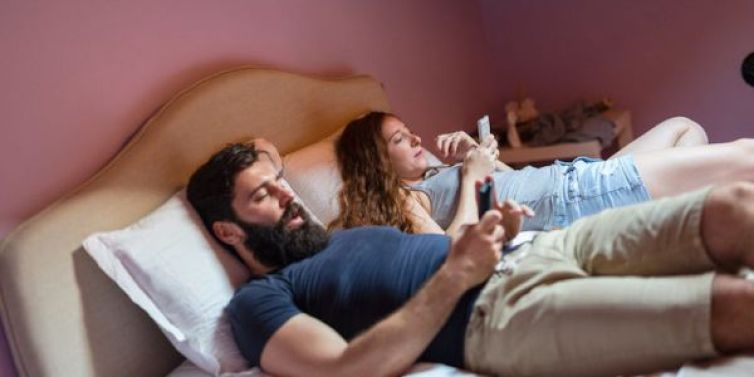 social media kill relationships breakups 800x400 - [A Must See] 5 Ways To Prevent Social Media From Ruining Your Marriage