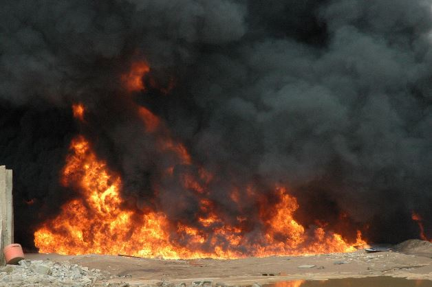 BREAKING NEWS!! 5 Persons Burnt To Death In Ondo Road Accident 2