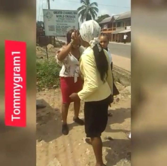 SHAMELESS: Two Ladies Seen Fighting After Church Service  (Photos) 1