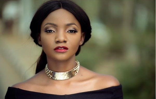 Singer, Simi Places Heavy Curse On Americans Celebrating Independence, Gives Reason