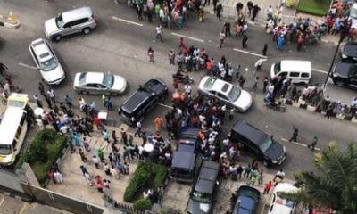 'Bullion Vans Spotted' Entering Tinubu's Home In Bourdillon (Photos)