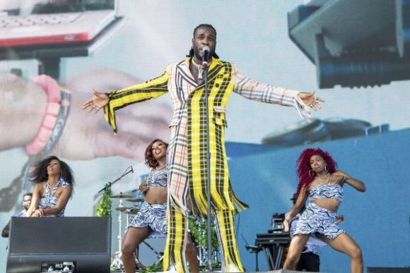 Burna Boy during her performance at the Coachella Music Festival in April 2018. © Amy Harris / AP / SIPA
