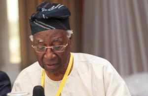 BREAKING: Foremost Nigerian Professor, Akinkugbe, Is Dead