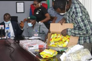 Nigerian Man Arrested With 2,886 ATM Cards Handed To EFCC – [Photo]