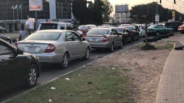 Fuel Scarcity Looms As Vehicles Queue For Hours In Abuja