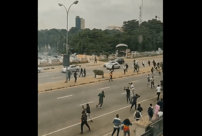 #ENDSARS: Police Tear Gasses People At The #EndSARSProtest In Abuja
