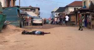 Stabbed Man - #OndoDecides2020: Man Stabbed At Polling Unit In Akure