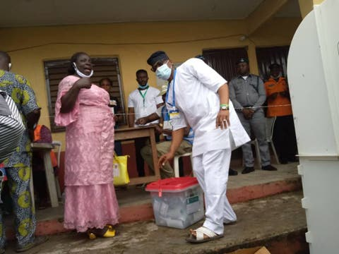 #OndoDecides2020: Jegede, Wife Finally Cast Votes
