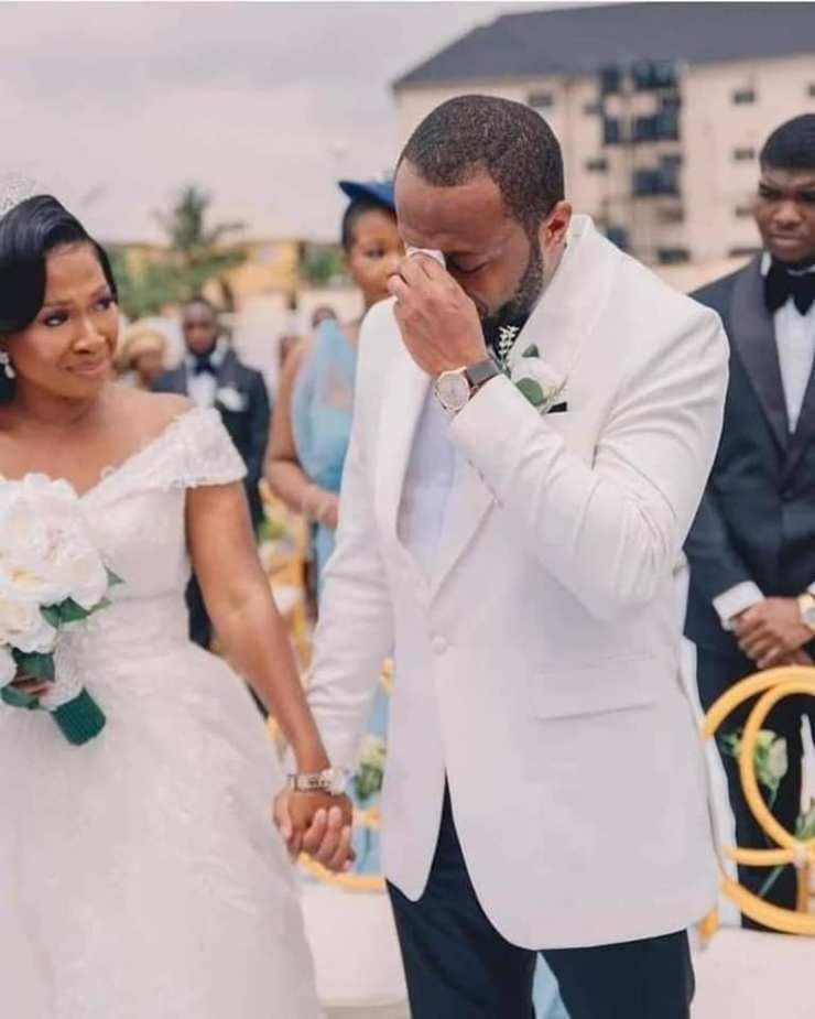 Nigerian Man Cries Like A Baby On His Wedding Day  Photos