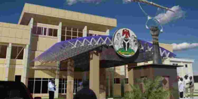 National Assembly Workers Threaten To Embark On Industrial Action Today - Naija News 247