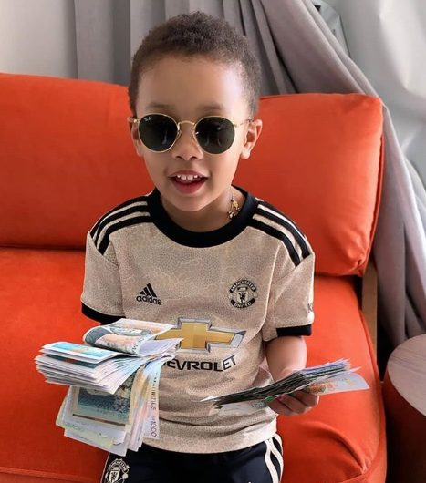 AKA's daughter, Kairo Forbes flaunts wads of cash in new photo