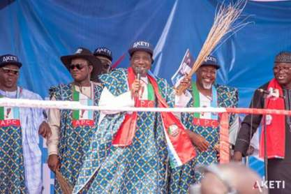 president-buhari-campaigns-part-2-21