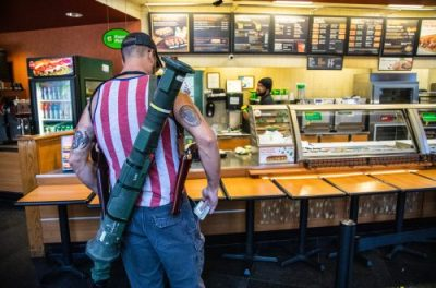 US Lockdown - REOPEN PROTESTS ARMED DEMONSTRATORS STORM SUBWAY ... To Buy Sandwiches