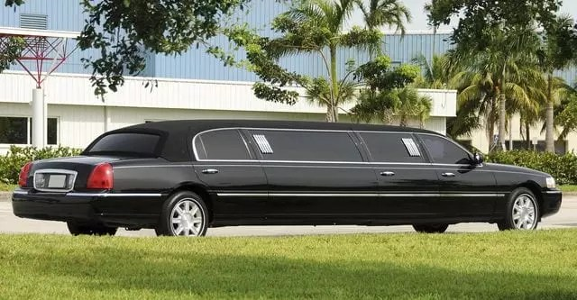 How Does One Determine The Price For A Limo?