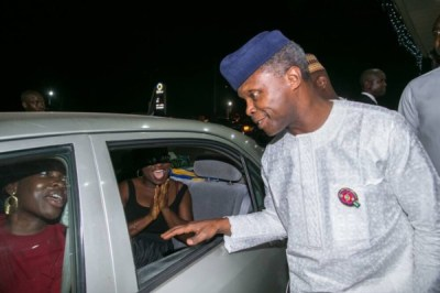 "Osinbajo Fuel Scarcity3 600x400 300x200 - 9JA NEWS: FuelScarcity: ""We are trying to move as quickly as we can"" – Osinbajo As He Visits Filling Stations"