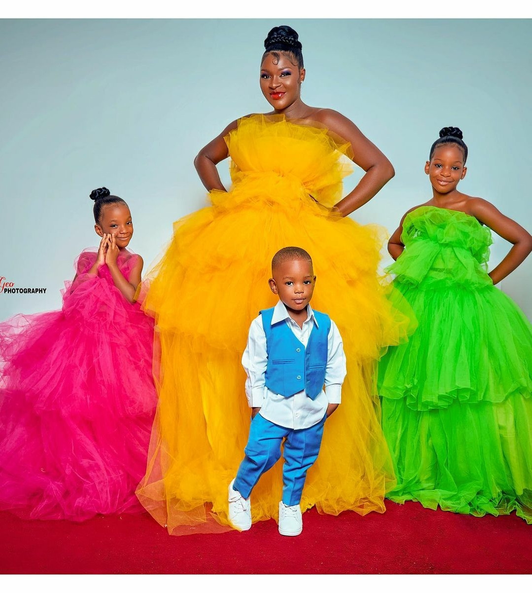 60a8fca010739 - Actress Chacha Eke Faani poses with her children in beautiful new photos