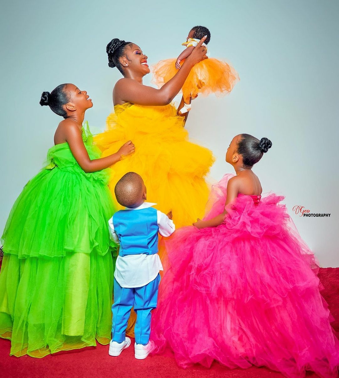 60a8fcce07c9b - Actress Chacha Eke Faani poses with her children in beautiful new photos