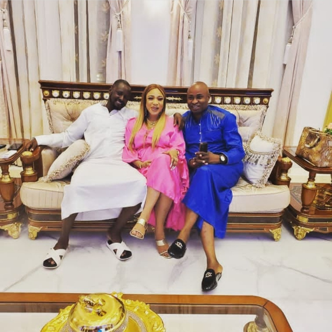 """6134e3ae83309 - """"Tonto Dikeh doesn't deserve this emotional blackmail"""" Prince Kpokpogri's friend, Mayor Blessing speaks in Tonto's defence"""