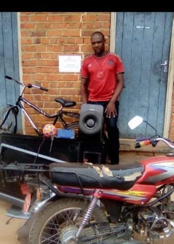 61672679e375d - Police arrest fake soldier who steals from women after promising to marry them