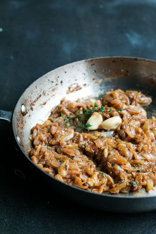 caramelized onions for the puff pastry tartlets