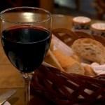 red-wine-in-an-italian-restaurant