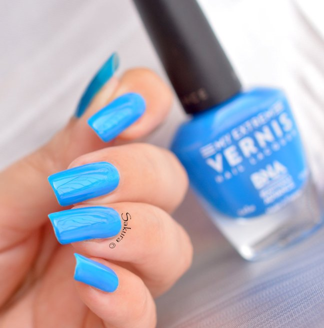 BEAUTY NAILS BLUE FLUO 2