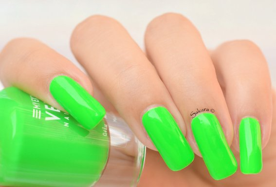 BEAUTY NAILS GREEN FLUO 5