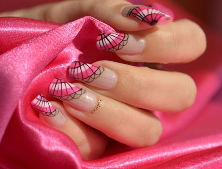 Nail Art Eventail Rose Flashy
