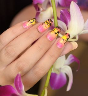 NAIL ART FLAMINGO