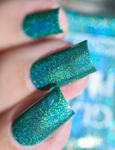 GLAMPOLISH THE HOLO STRICKES BACK 2