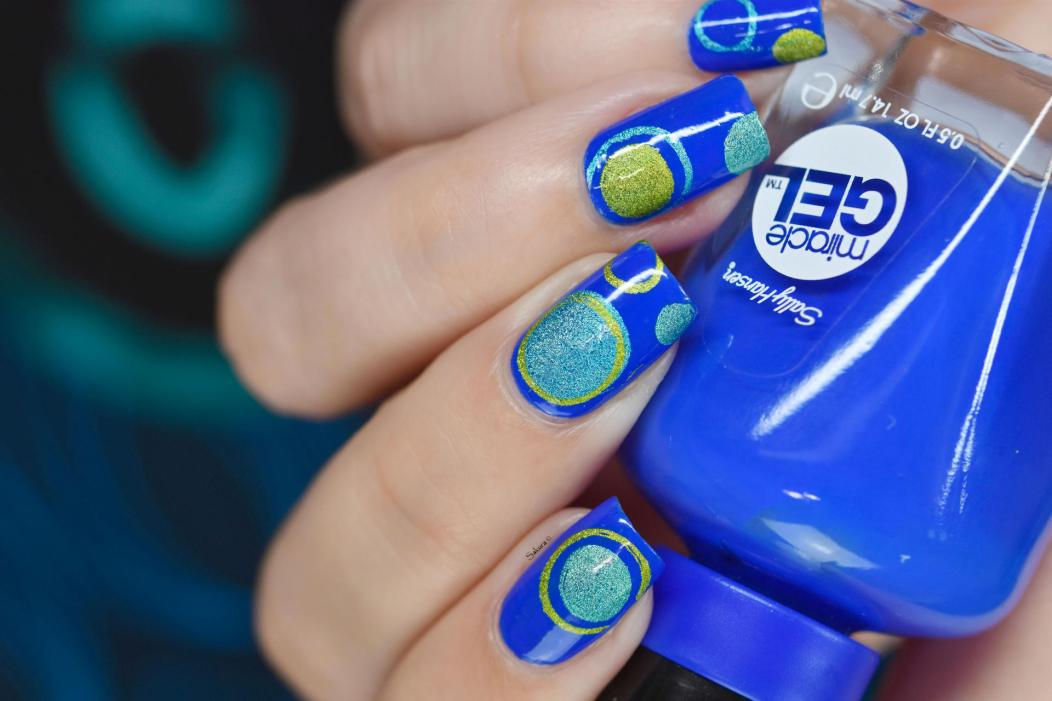 NAIL ART BUBBLES BLUES 8