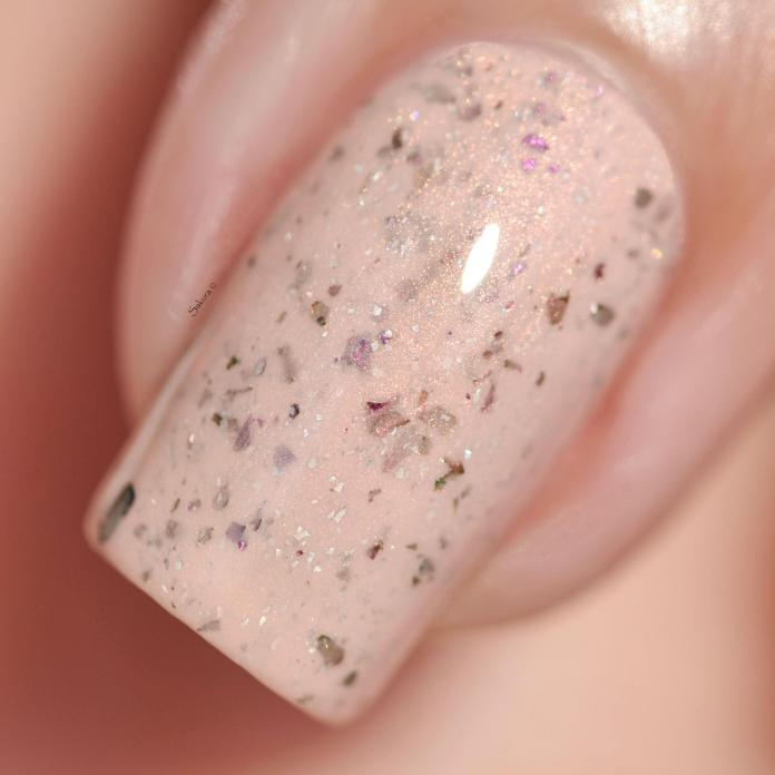 POTION POLISH FEET IN THE SAND 2