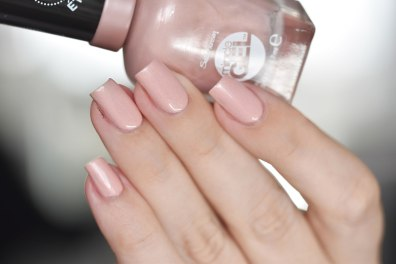 SALLY HANSEN REGAL ROSE 5
