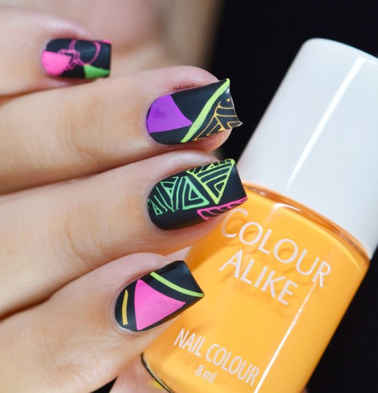 NAIL ART GRAFFITIS FLUO 2