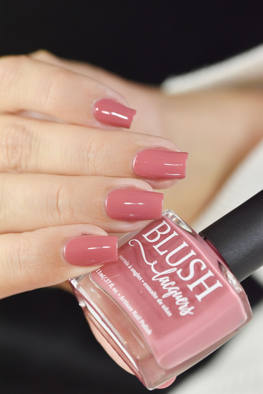 BLUSH LACQUERS HORIZON