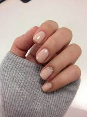 short & natural nail design