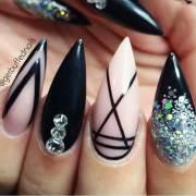 15.stiletto shape nails