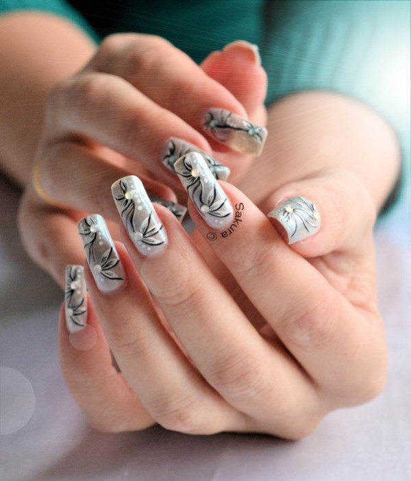NAIL ART PETALES GIVREES 10