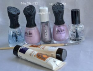 NAIL-ART-ONE-STROKE-NOEUD-MATERIEL.jpg