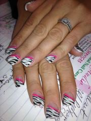 rocking zebra nail design