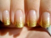 beautiful gold glitter nails